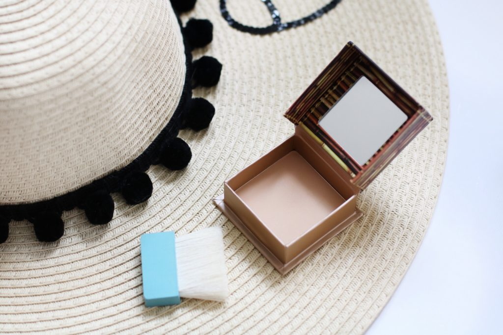 benefit-hoola-light-bronzer